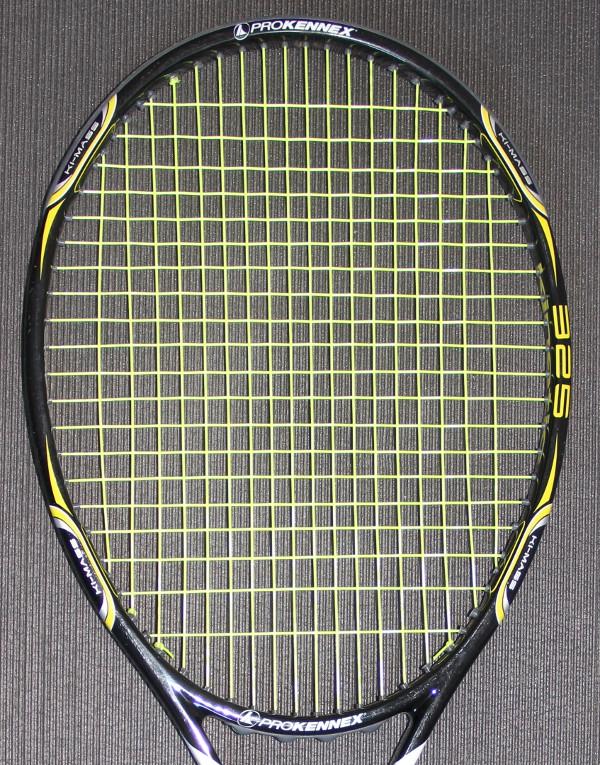 Tamis de la raquette de tennis proKennex QTour 325